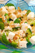 Salad with broccoli,feta and almonds — Stock Photo