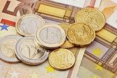 ユーロ硬貨や紙幣 — ストック写真