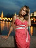 Dziewczyny z Moskwy w nocy — Zdjęcie stockowe