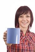 お茶のカップを持つ女性 — ストック写真
