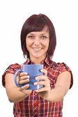 Kvinna med kopp te — Stockfoto