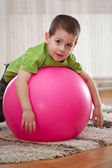 Boy with large ball — 图库照片