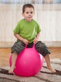 Boy with large ball — Stockfoto
