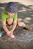мальчик рисование — Стоковое фото