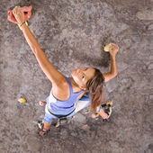 Girl climbing — Stock Photo