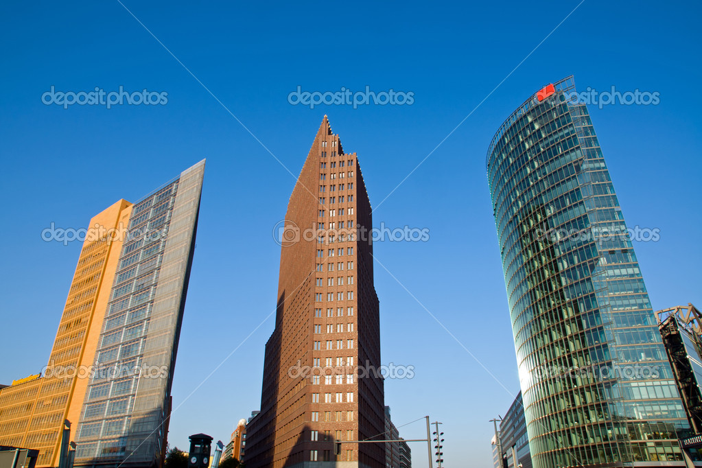 Potsdamer Platz in Berlin in the early morning sun — Stock Photo #5499884