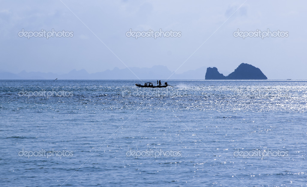 Lontail boats ferry tourists between koh samui and the ang thing marine park in the gulf of thailand — Stock Photo #6122979