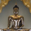 Golden buddha wat traimet bangkok — Stock Photo