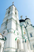 Big tall white orthodox temple with cross on top — Stock Photo