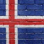vlag van IJsland op bakstenen muur — Stockfoto