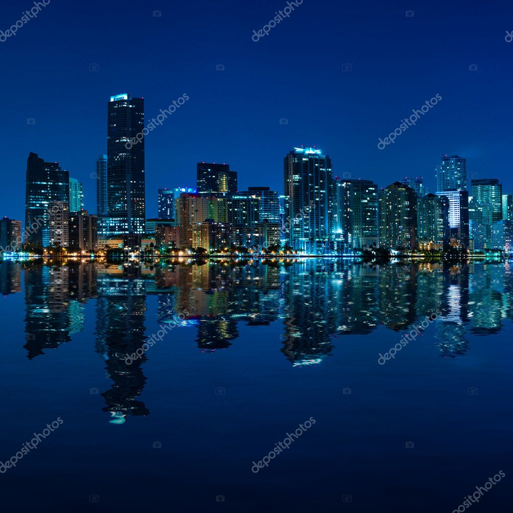 Miami skyline at night - panoramic image — Stock Photo #5534652