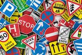 Många brittiska trafikskyltar — Stockfoto