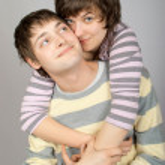 Happy couple hugging — Stock Photo #6373707