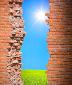 Breaking wall freedom concept — Stock Photo