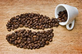 Coffee beans on the board — 图库照片