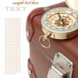 Old suitcase with a compass — Foto Stock