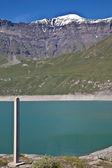 Pomiar poziomu wody dam — Zdjęcie stockowe