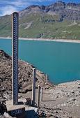 大坝水位测量 — 图库照片