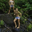 Sisters in a hawaiian rainforest — Foto Stock