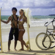 Newlywed couple at beach — Stockfoto #6281966