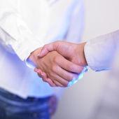 Handshaking de aperto de mão — Fotografia Stock
