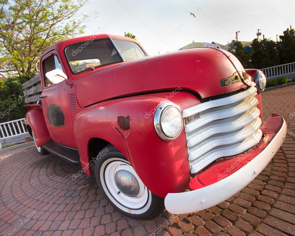 A red, vintage pickup truck — Stock Photo #5832603