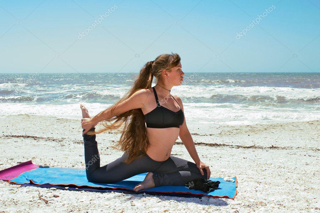 упражнения йоги для сжигания жира на животе