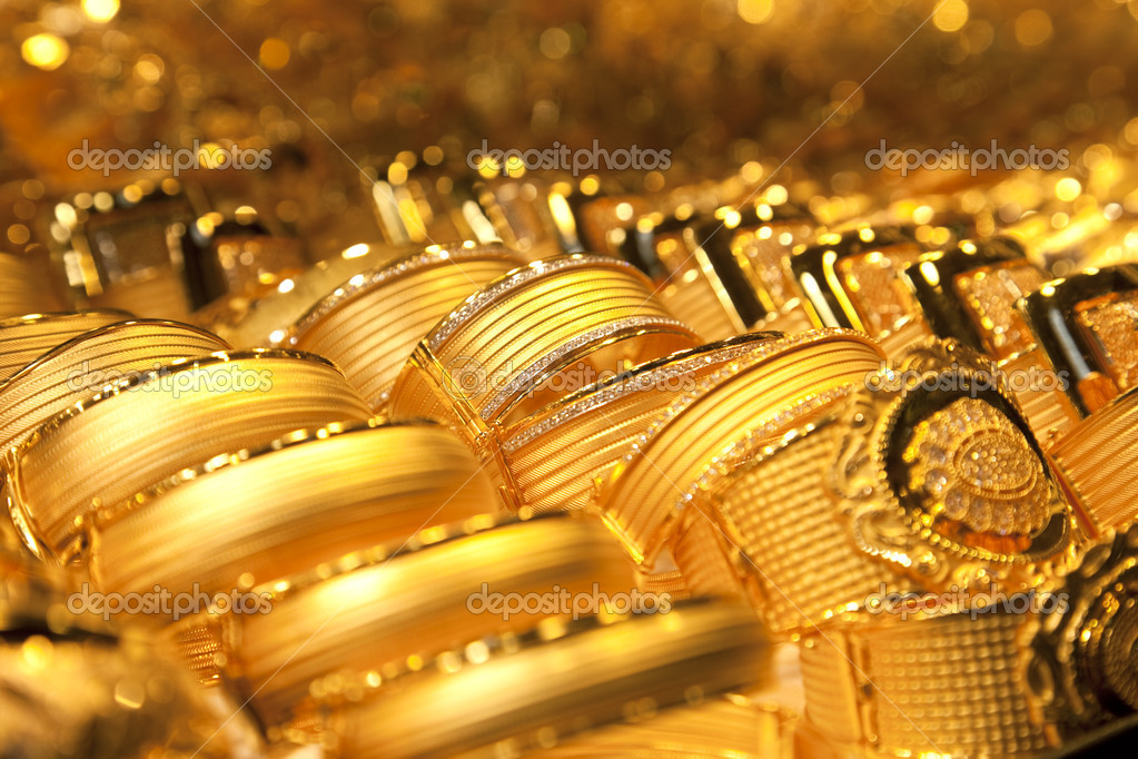 Gold jewelry background / soft selective focus — Stock Photo #5486605