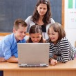 Kids surfing the internet — Stock Photo