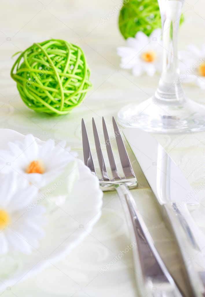 Spring table setting with flowers and decoration — Stock Photo #5819996