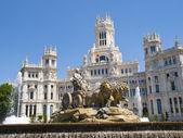 Cibeles Fountain and Cibeles Palace, Madrid — Stock Photo
