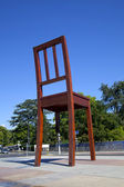 Broken Chair Monument in Geneve — Stock Photo