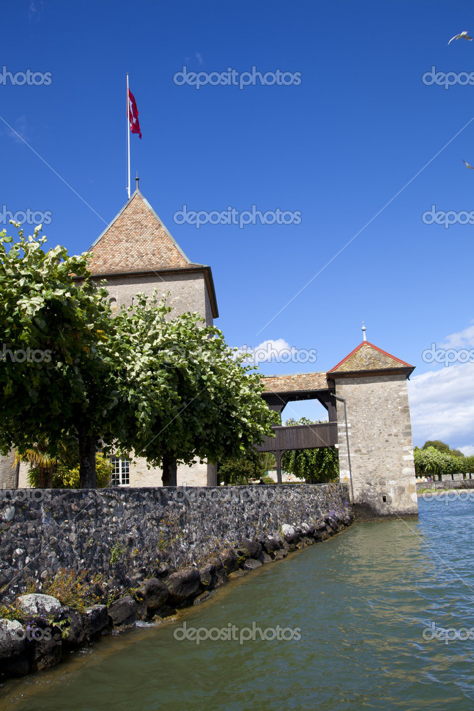 Rolle Chateau, Switzerland — Stock Photo #6639423