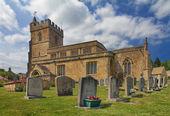 Iglesia de san lorenzo en cotswolds, burton-on-the-hill, reino unido — Foto de Stock