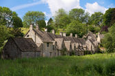 Arlington Row in Bibury with River Coln, Cotswolds, Gloucestershire, UK — Stock Photo