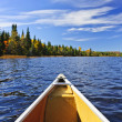 Canoe bow on lake - Stockfoto