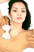 Se enfrentan las mujeres jóvenes asiáticos, close-up, aislado — Foto de Stock