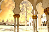 Sheikh Zayed Mosque in Abu Dhabi City — Stock Photo