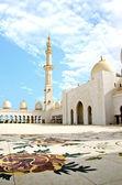 Sheikh Zayed Mosque in Abu Dhabi City — Stock Photo