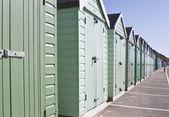 Verschillende gekleurde strand hutten — Stockfoto