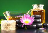 Spa zubehör für massage und kosmetik — Stockfoto