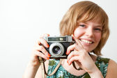 ビンテージ カメラを持つ女性 — ストック写真