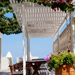 Terrace setting in Thira, Santorini — Stock Photo