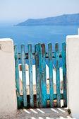 Old wooden gate in Santorini — Stock Photo