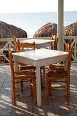 Restauracja tabel w perissa santorini, grecja — Zdjęcie stockowe
