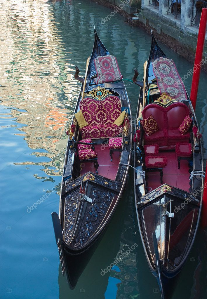 Two gondolas on the canal in Venice, and the reflections — Stock Photo #5951906