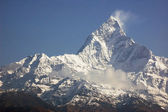 Machapuchare - majestic mountain peak in Himalaya. — Stock Photo