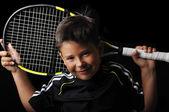 Tenis çocuk gülümseyen izole içinde siyah — Stok fotoğraf