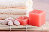 Peach color spa setting — Stock Photo