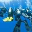 Divers on rope underwater — Foto de stock #6233919